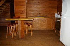 405 kitchen 1