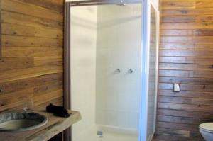407 bathroom 1