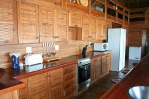 house 106 kitchen appl
