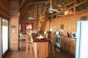 house 106 kitchen lounge