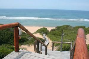 house 106 walkway 2 beach